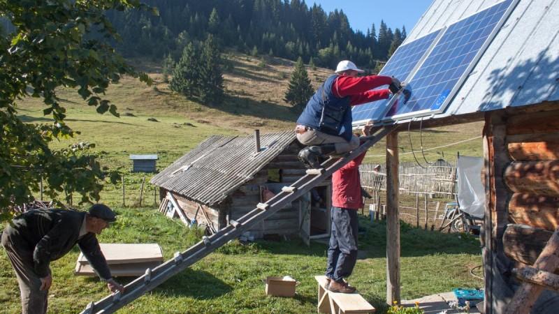 Javni poziv seoskim domaćinstvima katunskih naselja za dodjelu solarnih sistema radi pružanja turističkih usluga